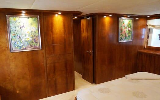 Motor Yacht Illa stateroom