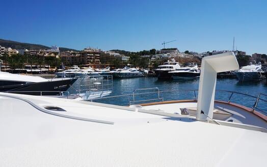 Motor Yacht Illa foredeck