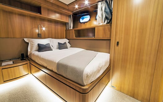Motor Yacht PANTHOURS Guest Double Stateroom