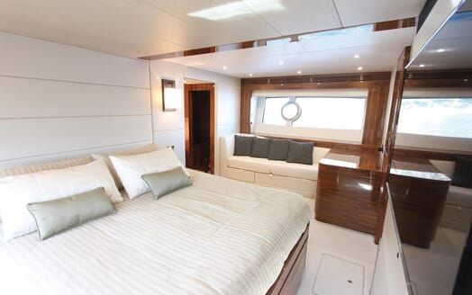 Motor Yacht Mia master cabin