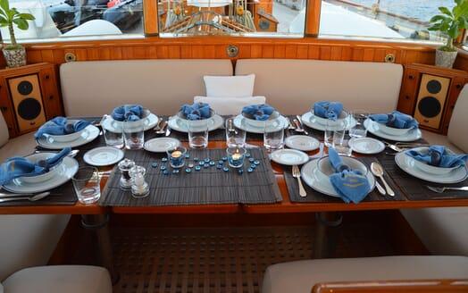 Sailing Yacht SHENANDOAH Al Fresco Dining