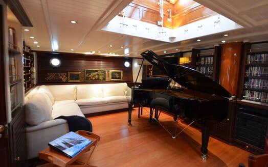Sailing Yacht SHENANDOAH Grand Piano