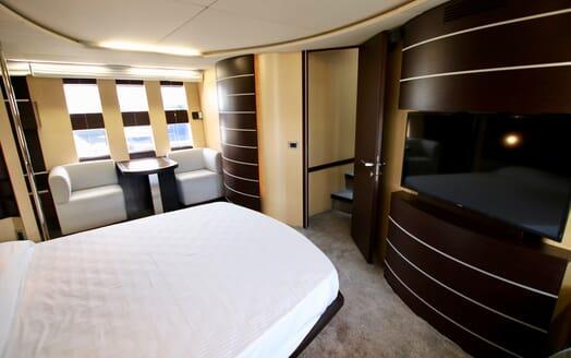 Motor Yacht Anche No master cabin