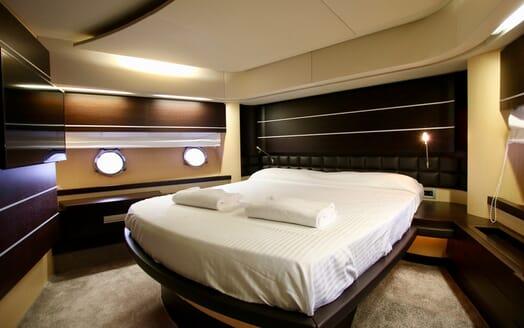 Motor Yacht Anche No VIP cabin
