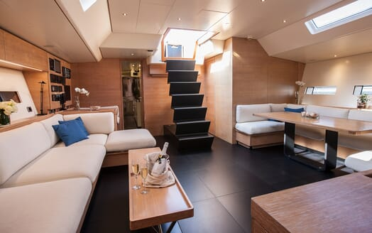 Sailing Yacht Inti3 living area