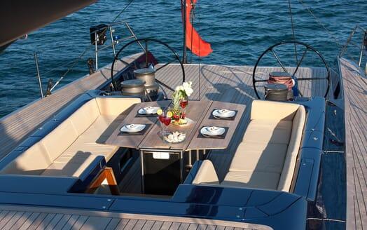 Sailing Yacht Inti3 helm