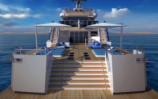 Motor Yacht Flexplorer aft shot