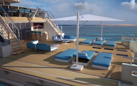 Motor Yacht Flexplorer deck
