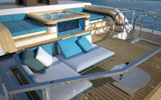 Motor Yacht Flexplorer swimming pool
