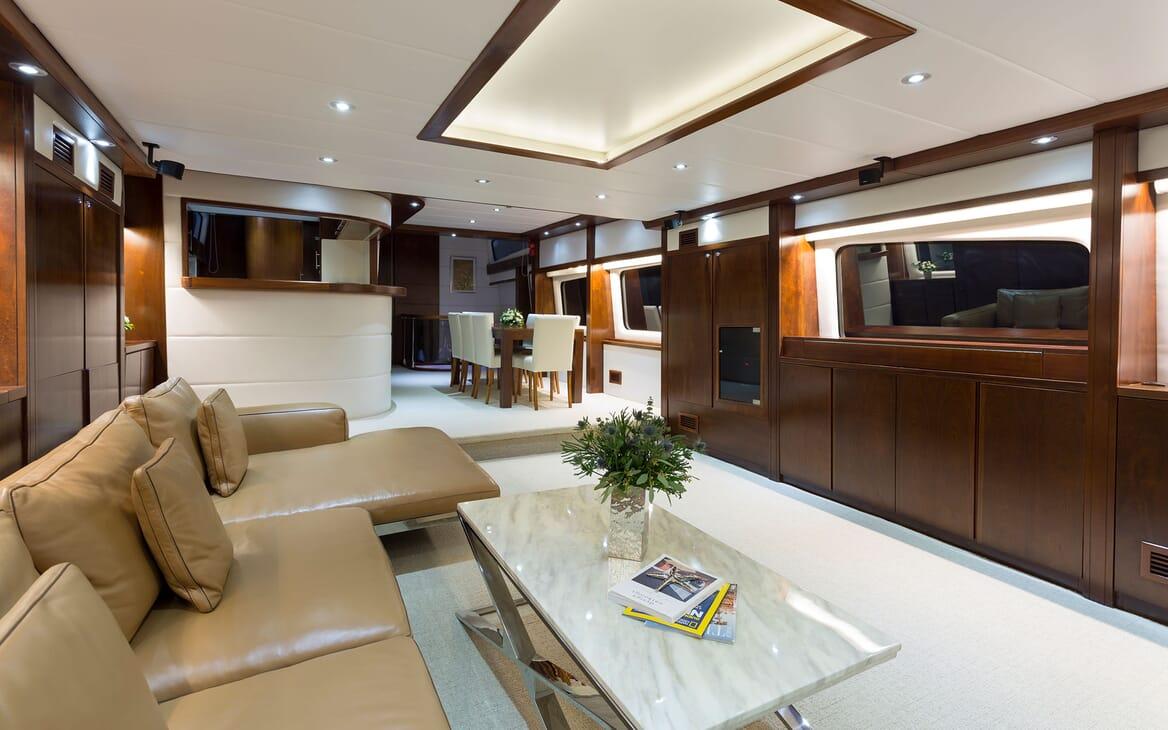 Motor Yacht MIA KAI Main Saloon