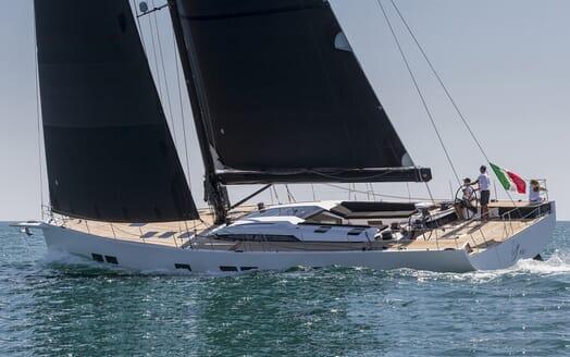 Sailing Yacht EGI4  cruising