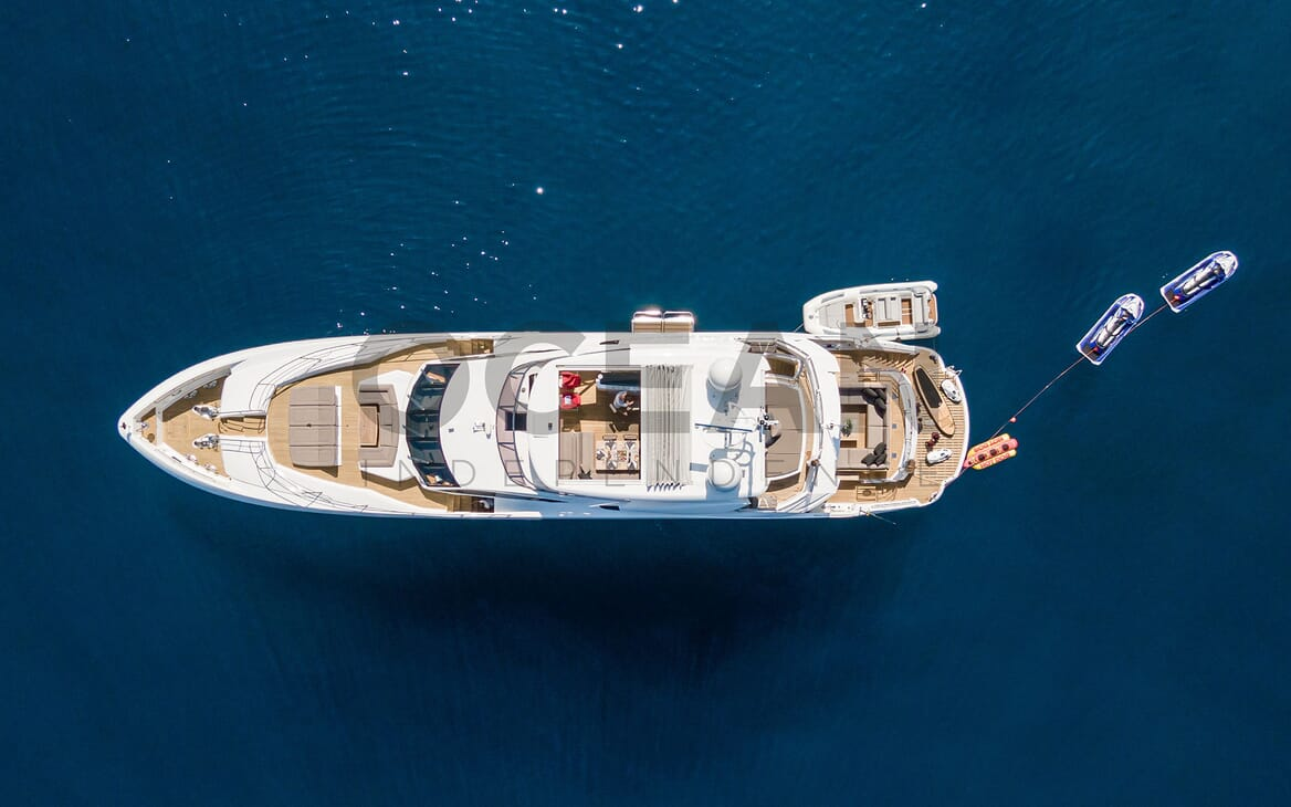 Motor Yacht MAORA Underway