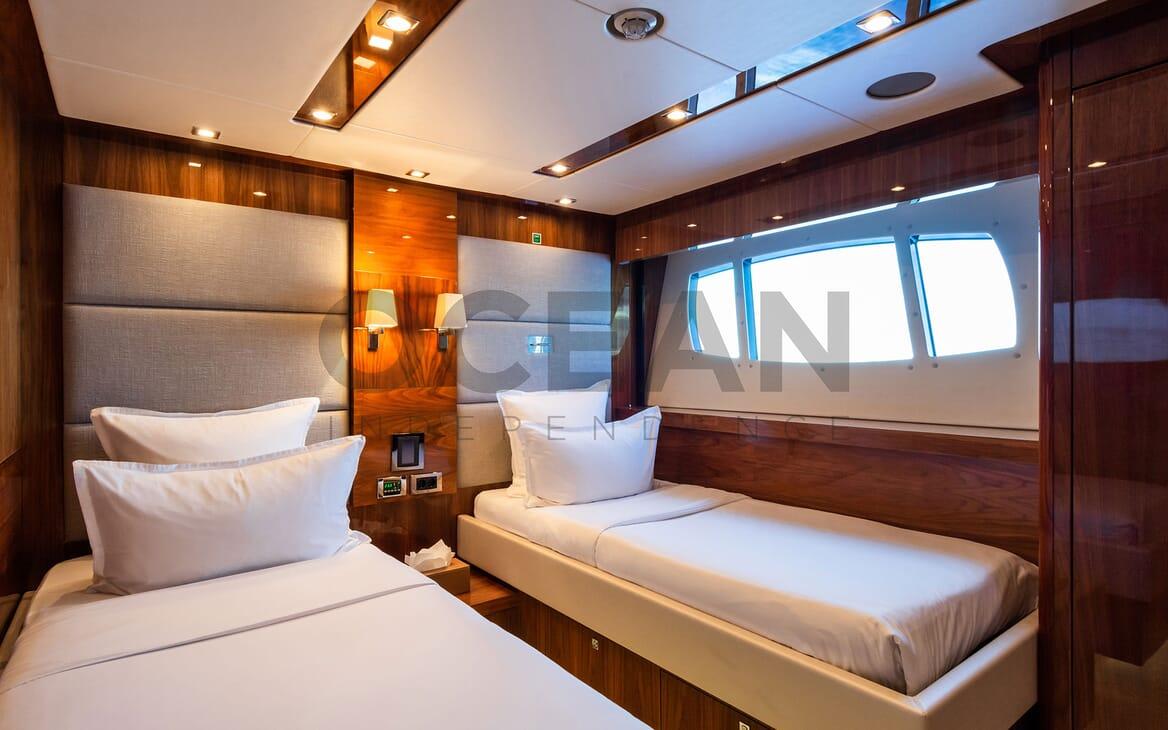 Motor Yacht MAORA Sun Deck 2