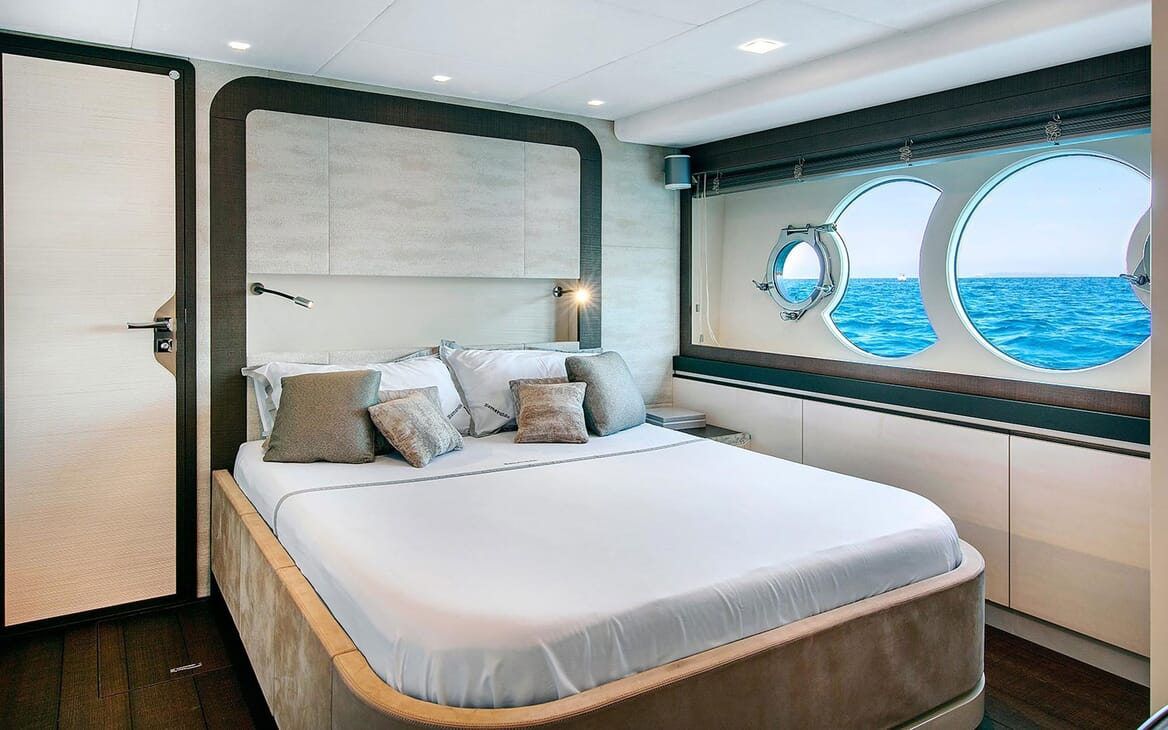 Motor Yacht EMERALDA OF THE SEAS Double Guest Stateroom