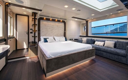 Motor Yacht EMERALDA OF THE SEAS Master Stateroom