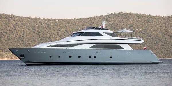 Motor Yacht POZITRON Profile