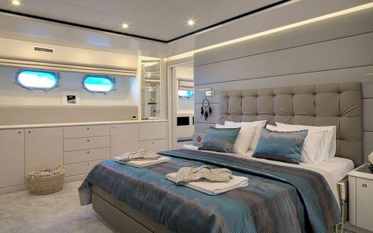 Motor Yacht POZITRON Master Stateroom 2