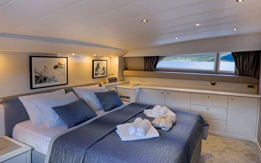 Motor Yacht POZITRON VIP Stateroom