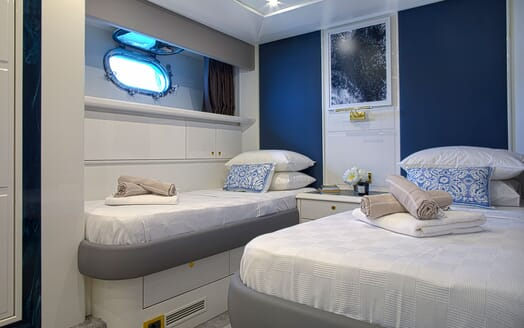 Motor Yacht POZITRON Twin Guest Stateroom