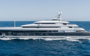 Motor Yacht ILLUSION PLUS Profile