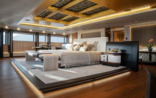 Motor Yacht ILLUSION PLUS Master Stateroom