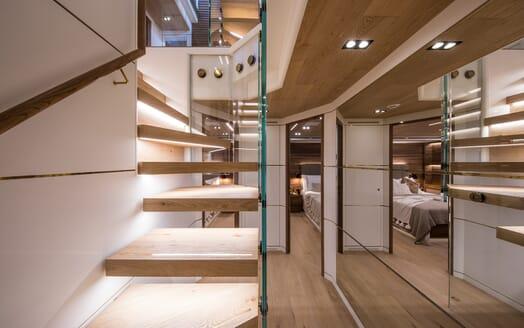 Motor Yacht Mimi La Sardine Hallway