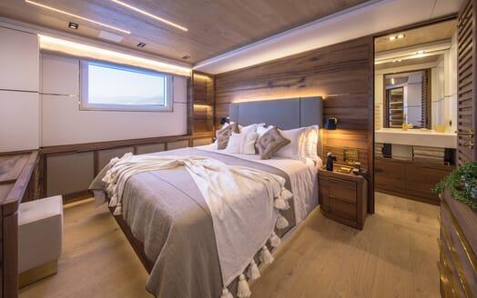 Motor Yacht Mimi La Sardine Double Stateroom