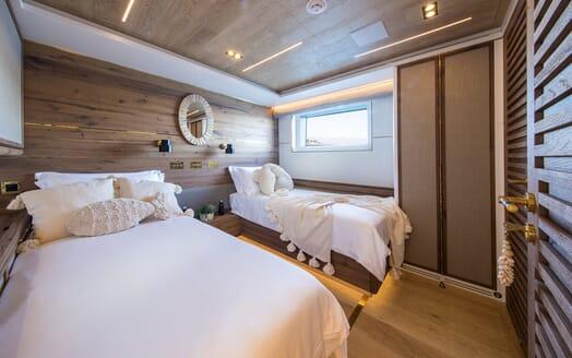 Motor Yacht Mimi La Sardine Twin Stateroom