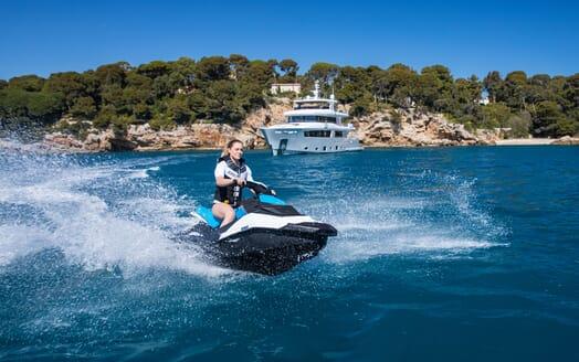 Motor Yacht Mimi La Sardine Jetski