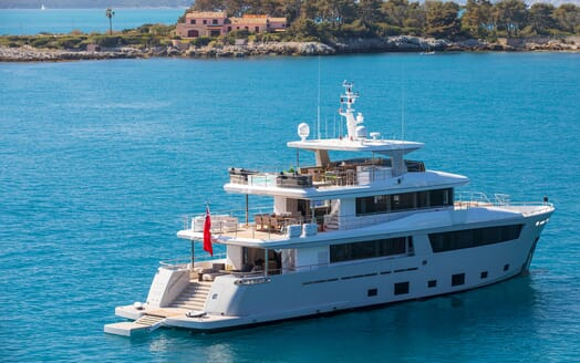 Motor Yacht Mimi La Sardine Side on