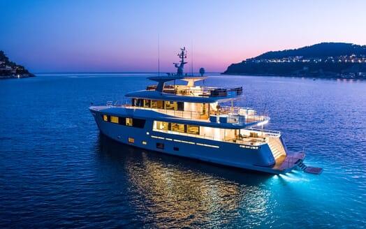 Motor Yacht Mimi La Sardine Evening