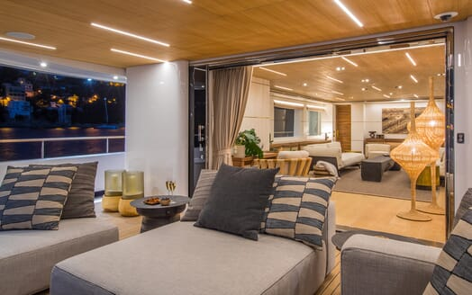 Motor Yacht Mimi La Sardine Aft Deck Seating 2