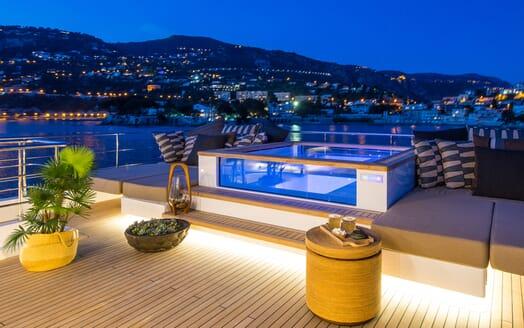 Motor Yacht Mimi La Sardine Evening Jacuzzi
