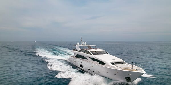 Motor Yacht Couach 3707 Running