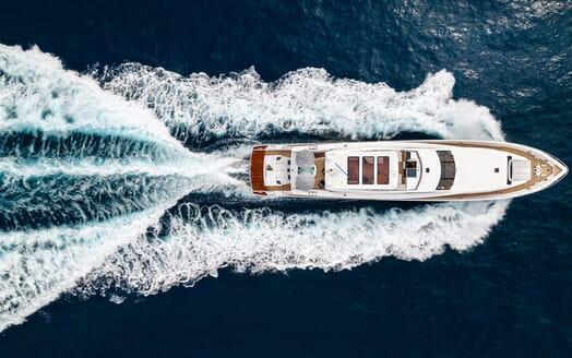 Motor Yacht Couach 3707 Washroom