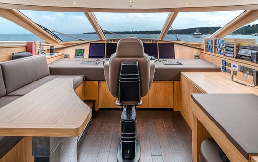 Motor Yacht Couach 3707 Sateroom Layout 1