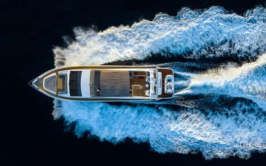 Motor Yacht Sky outdoor dining