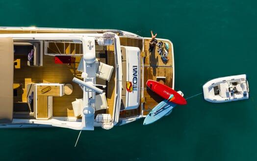 Motor Yacht Sky living area
