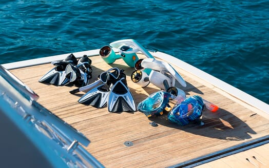 Motor Yacht Sky master bathroom