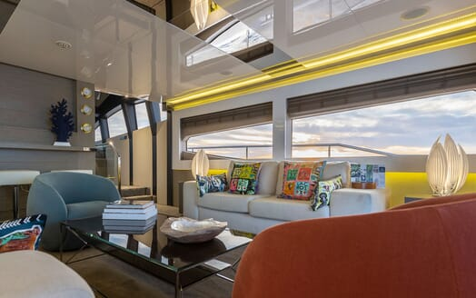 Motor Yacht Sky aft deck