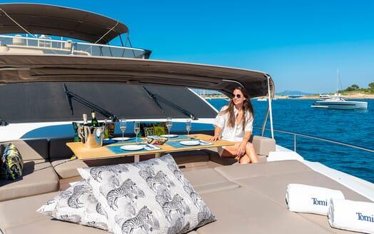 Motor Yacht Sky bow