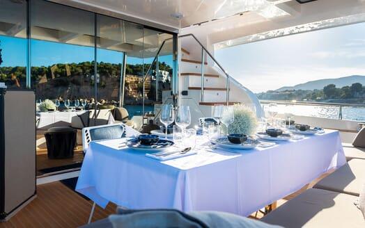 Motor Yacht Sky deck