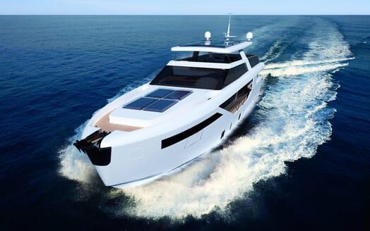 Motor Yacht LUXI95 cruising