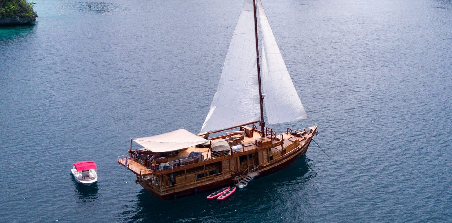 Motor Sailer Sequoia Profile