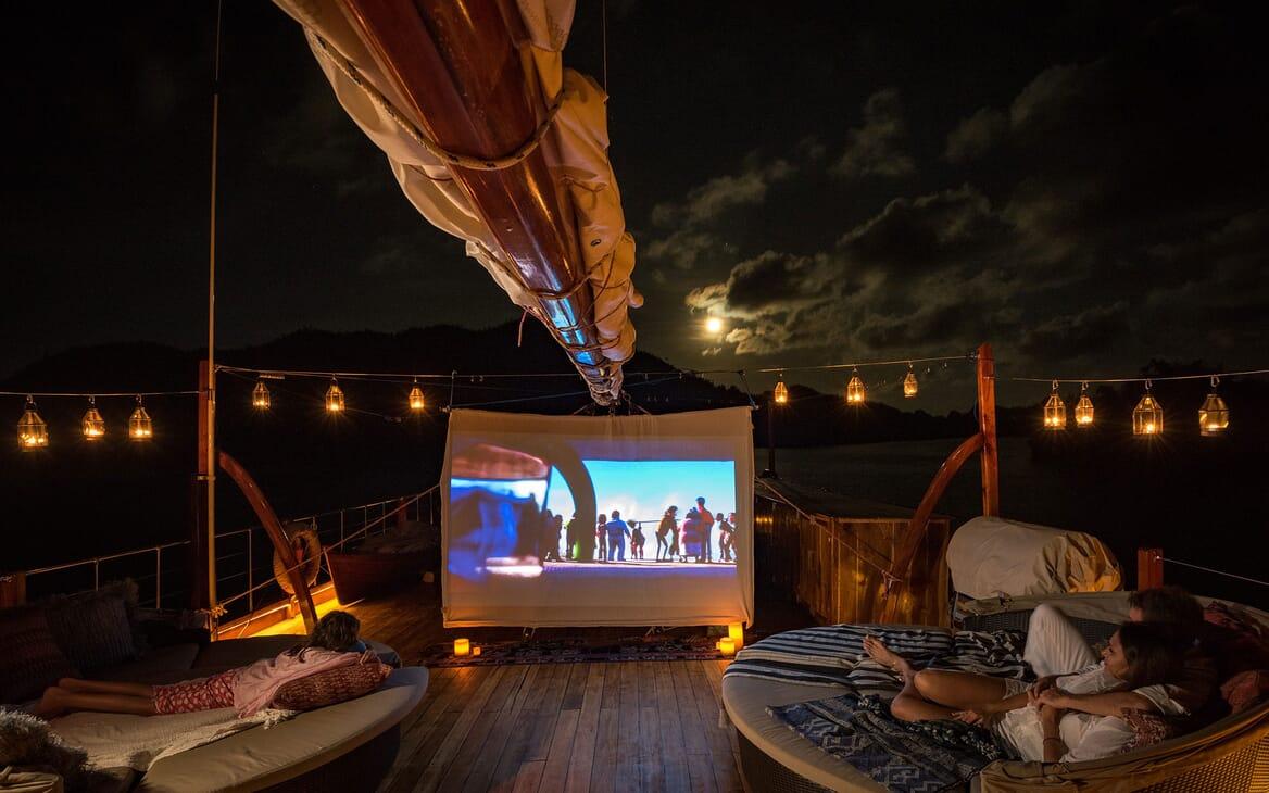 Motor Sailer Sequoia Pop Up Cinema