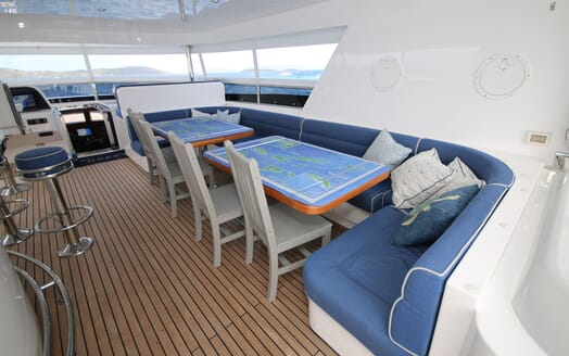Motor Yacht Lone Star Sun Deck Seating