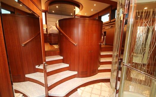 Motor Yacht Lone Star Master Stateroom Bathroom Steps