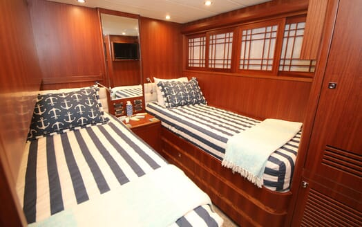 Motor Yacht Lone Star Guest Twin Stateroom
