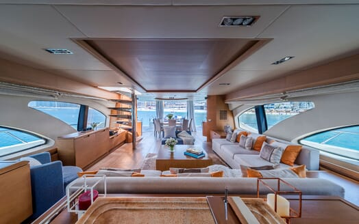 Motor Yacht FIVE Main Saloon