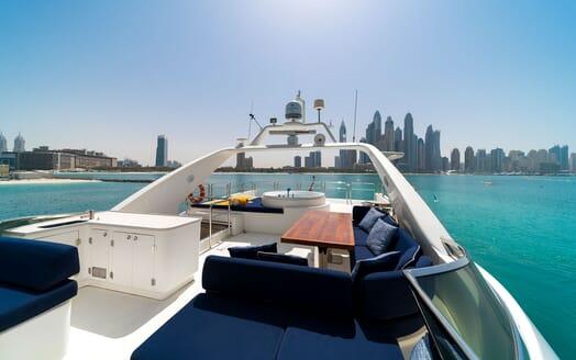 Motor Yacht FIVE Sun Deck